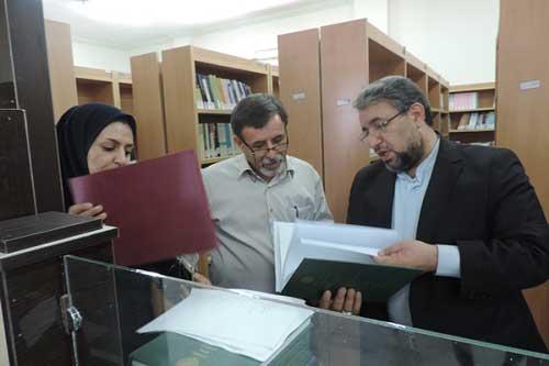 بازدید کریم نجفی برزگر از پیام نور قشم