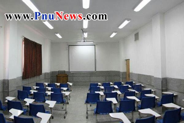 کلاس خالی دانشگاه غیر انتفاعی